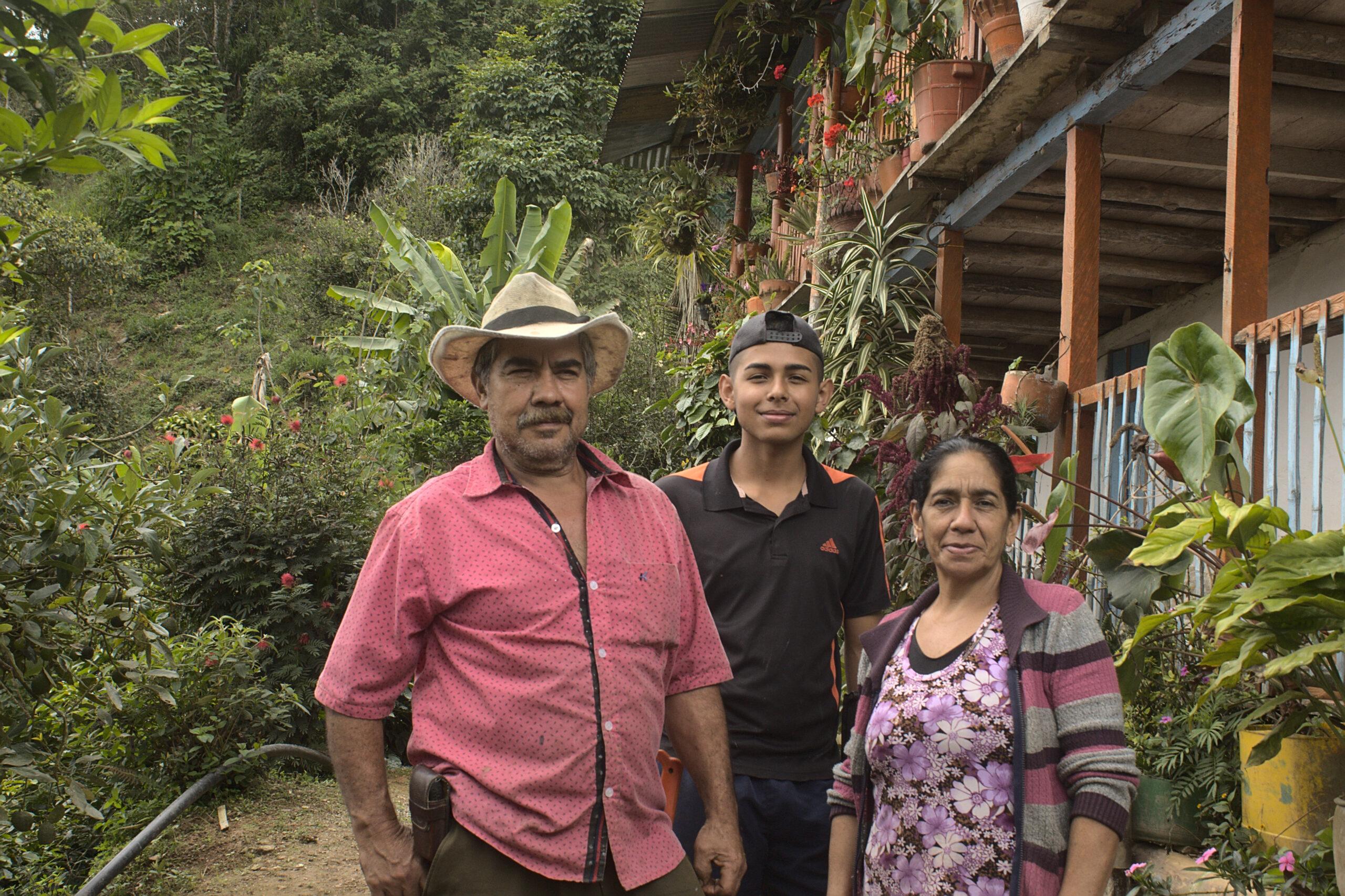 Don Oscar con Familia